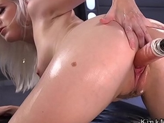Trimmed pussy blonde gets machine fuck