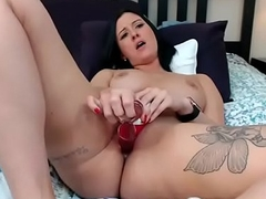 Horny wants to cum on webcam with others watching