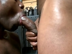 Black hunk spraying hot jizz during foursome