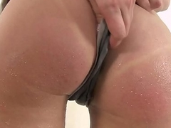 Big juggling boobs covered in warm piss