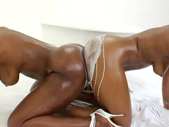 Ebony lesbos wam in milk