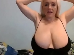 34k hot blonde smashing cleavage huge udders